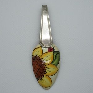 Jewelry - Pretty Vintage Hand Painted Spoon Pendant